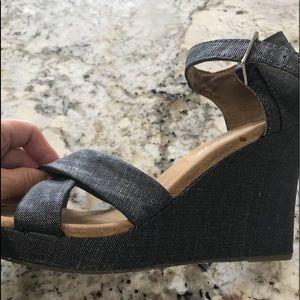 Toms Wedges- size 7